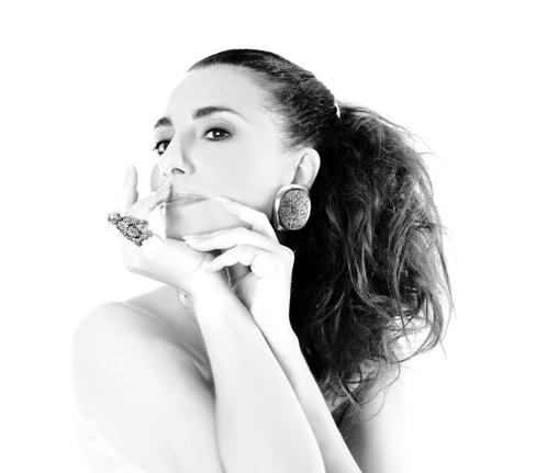 Paola Maugeri - 2011